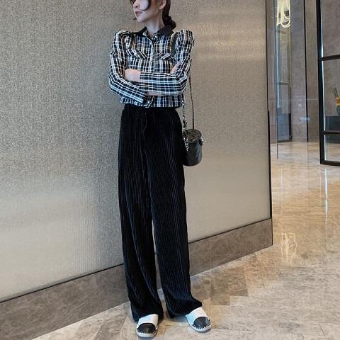 Women's Wide-Legged Velvet Pants - Mysterious Black
