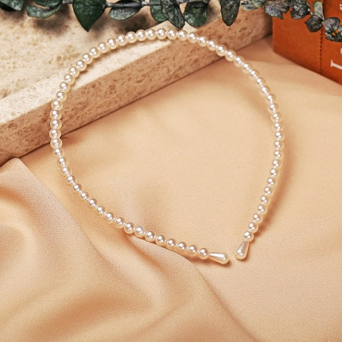 Women's Simple Garland Pearl Headband (20125)