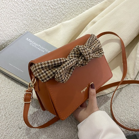 Women's Urban Style Bow Letter Clamshell Bag (1001058)